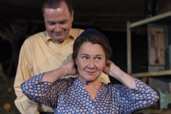 Anna Pluck Söderling skådespelare Apelsinträdet Stadra Teater Henning Mankell