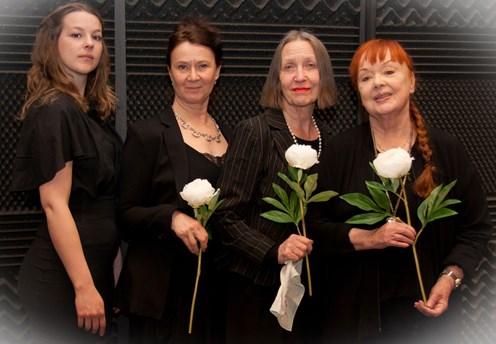 Anna Pluck Söderling skådespelare fyra fruar och en död man Radioteatern